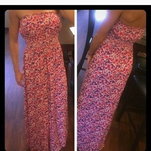 Dresses & Skirts - Floral Strapless Maxi Dress